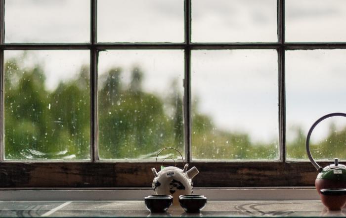 Dreckiges Fenster in Nahansicht